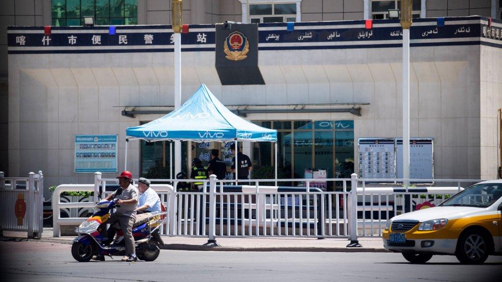 Een checkpoint in Kashgar.