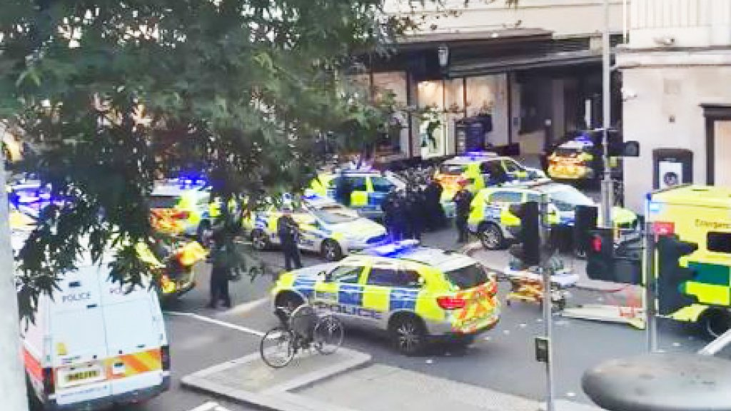 Google Hoofdkwartier Londen : Man steekt mensen neer in hoofdkwartier sony in londen 2 gewonden