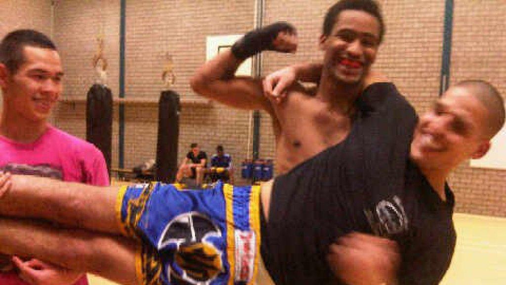 Pieter begon met Judo en ging daarna thaiboksen.