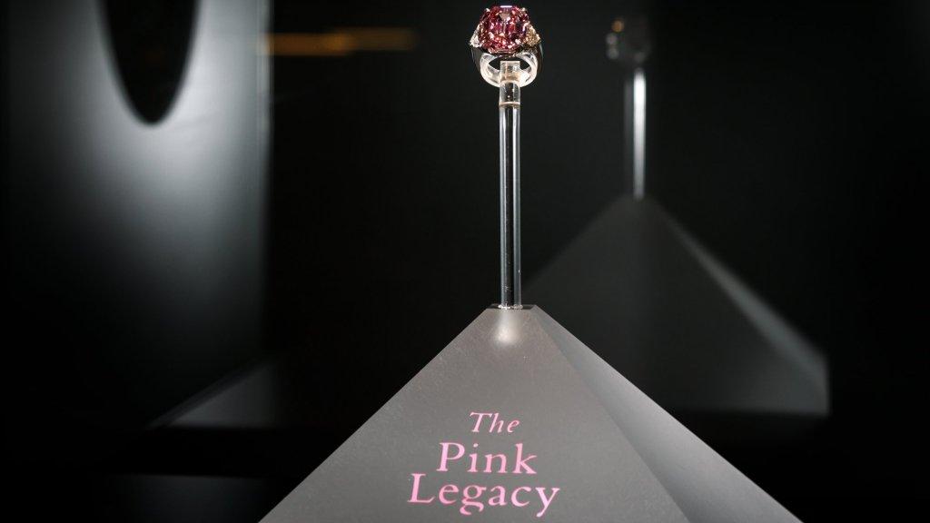 De Pink Legacy.