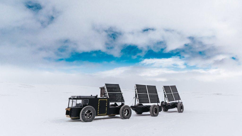 De Solar Voyager bij een testrit in IJsland.