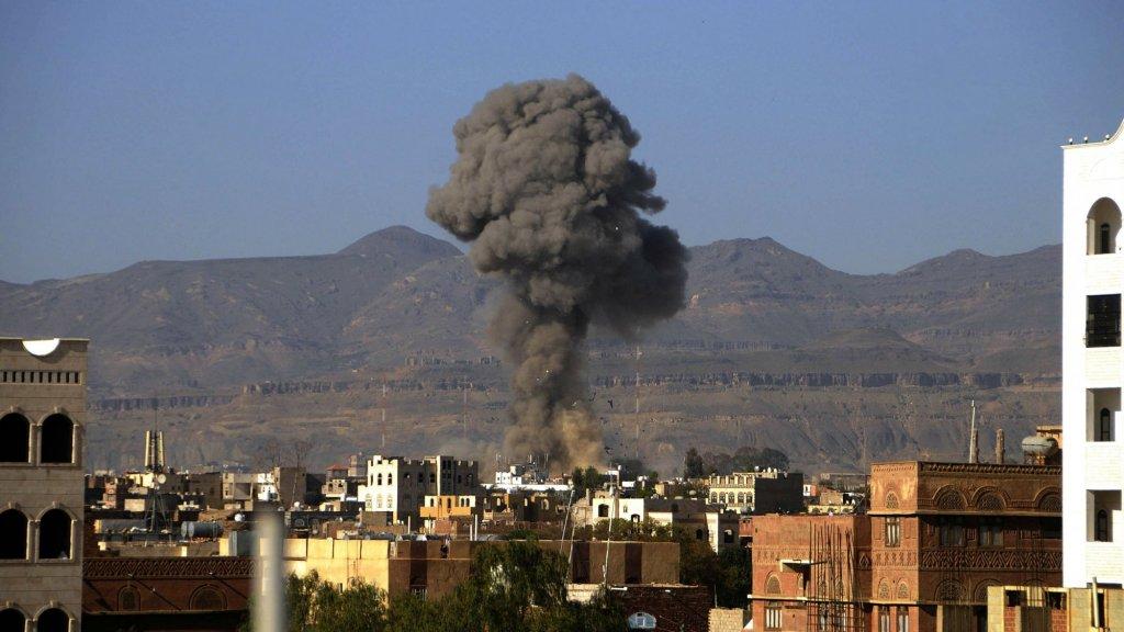 Een luchtaanval in de hoofdstad Sanaa.