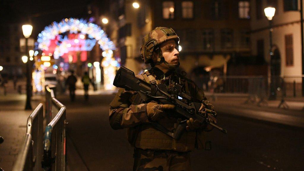 Drie doden bij schietpartij Straatsburg, dader nog op de vlucht