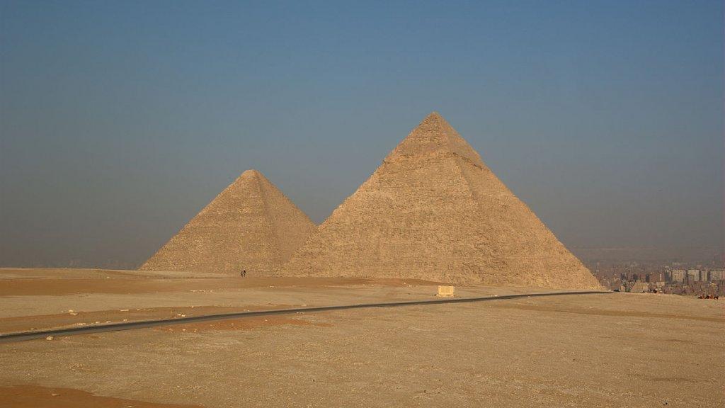 arrestaties na naaktvideo op grote piramide in egypte | rtl nieuws