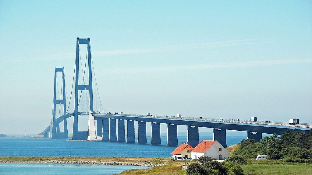 De Beltburg bestaat uit twee bruggen van 6,6 en 6,8 kilometer lengte. (archieffoto)