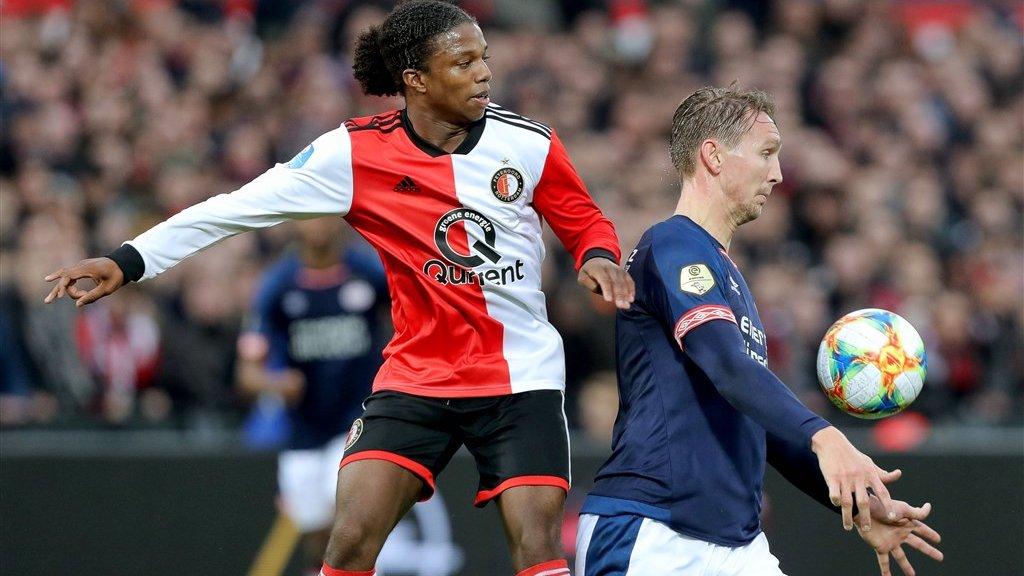 Tyrell Malacia (L) debuteerde op 6 december 2017 voor Feyenoord