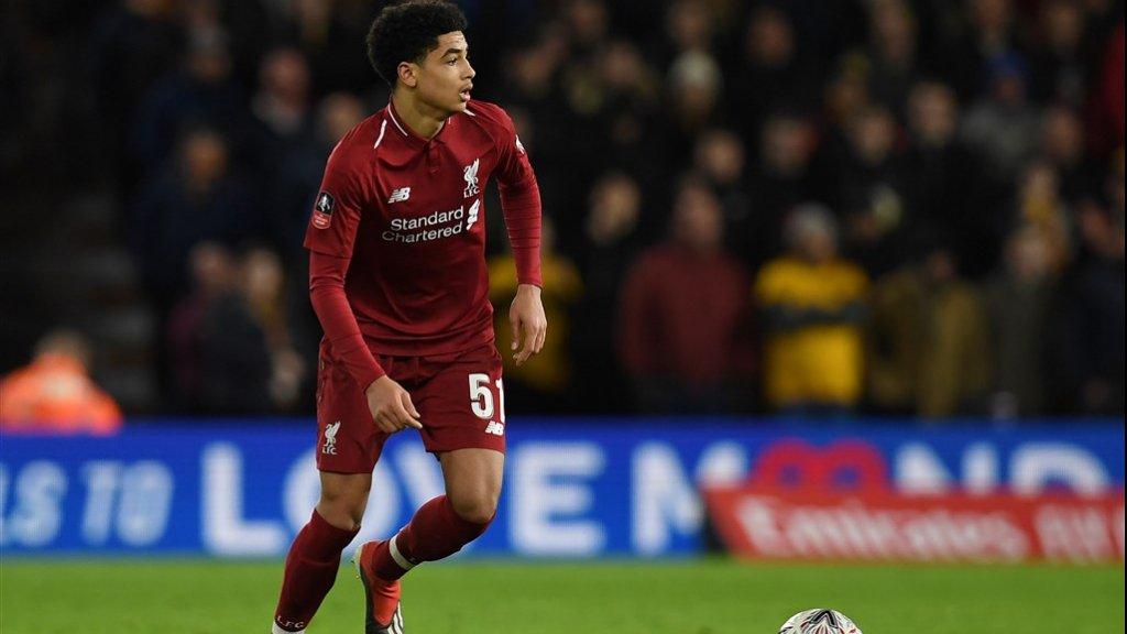 Ki-Jana Hoever debuteerde voor Liverpool op 7 januari 2019