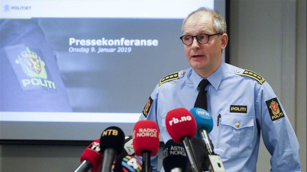 Politieman Tommy Brøske tijdens de persconferentie, woensdag in Lillestrom.