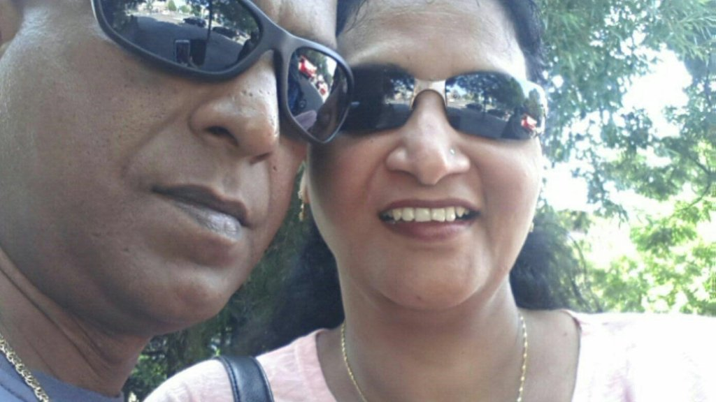De ouders van Sharwin.