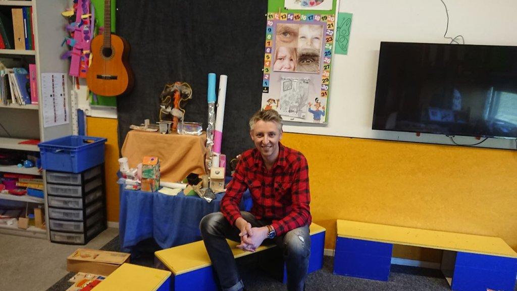 Sebastian Doeze Jager is vandaag begonnen met zijn stage in de kleuterklas.