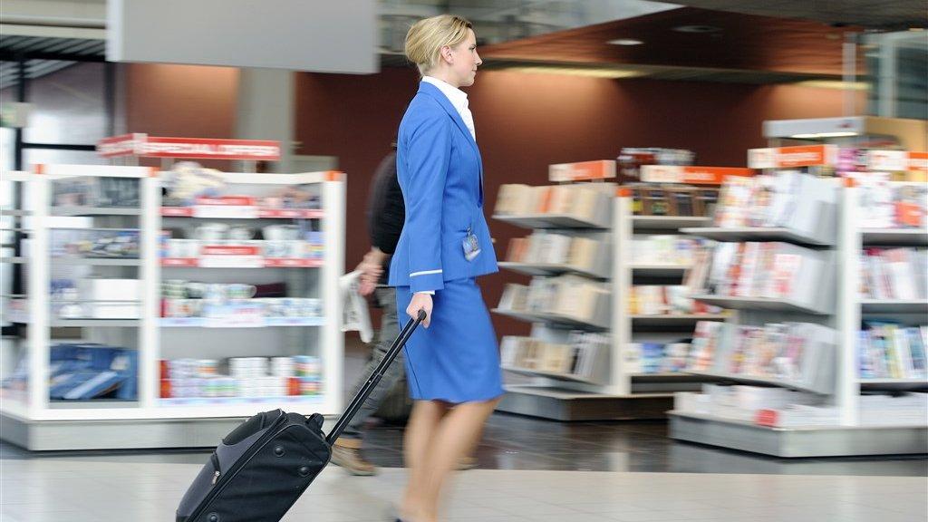 Een stewardess van KLM.