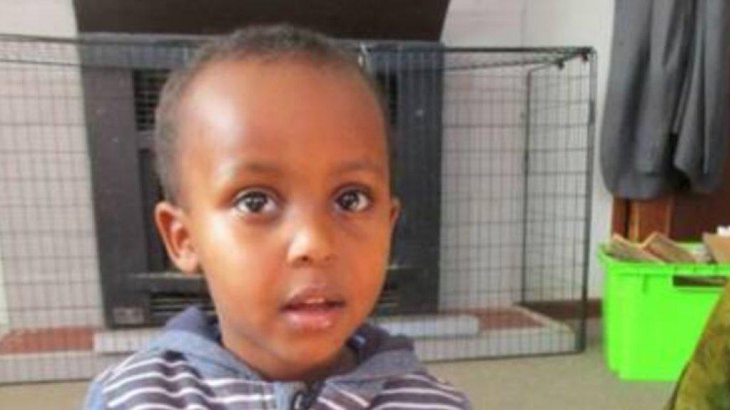 De 3-jarige Mucad Ibrahim is het jongste slachtoffer van de aanslag.