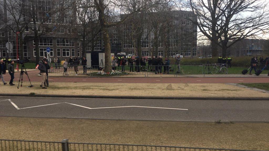 Dit zien de tramreizigers als ze het 24 Oktoberplein passeren.