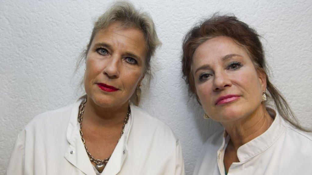Longartsen Wanda de Kanter (links) en Pauline Dekker