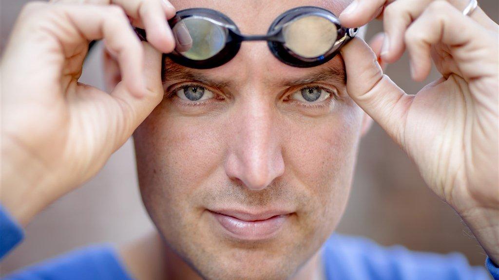 Maarten van der Weijden: 'Mijn ervaring op vakantie is altijd dat de zwembaden daar veel voller zijn'