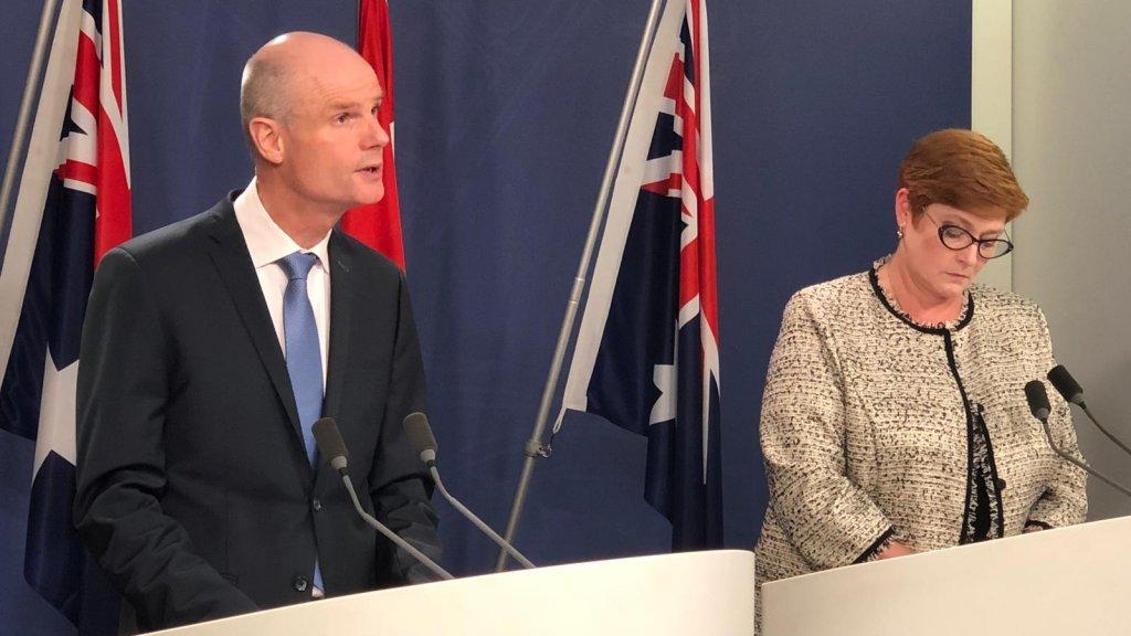 Minister Blok van Buitenlandse Zaken en zijn Australische collega minister Payne vandaag aan tijdens de persconferentie in Australië