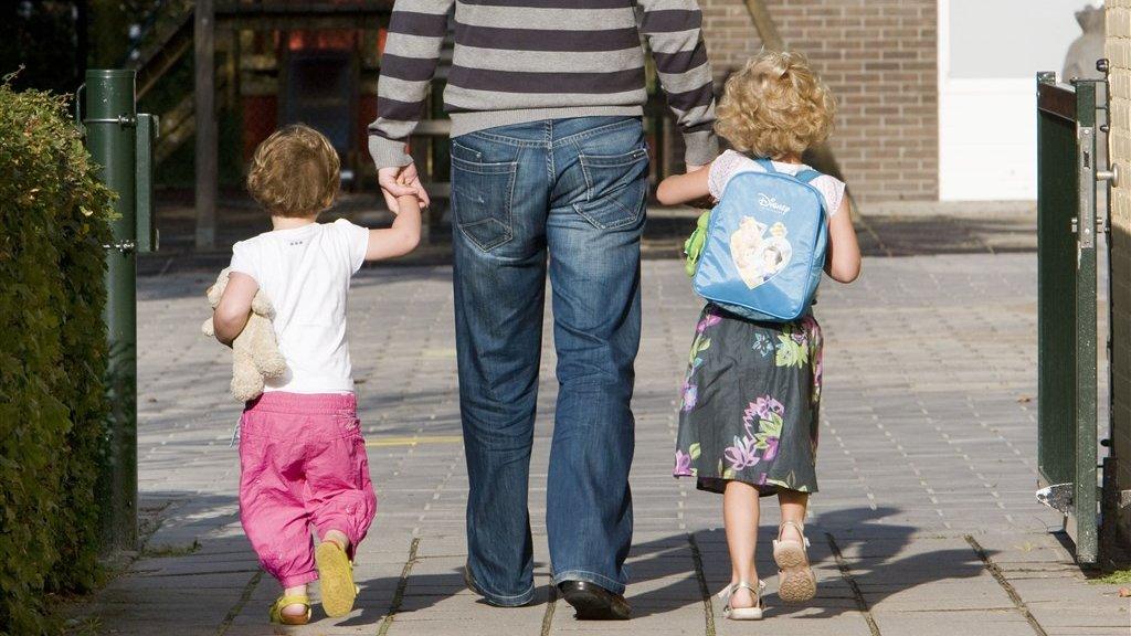 Gedupeerde ouders toeslagenaffaire krijgen compensatie