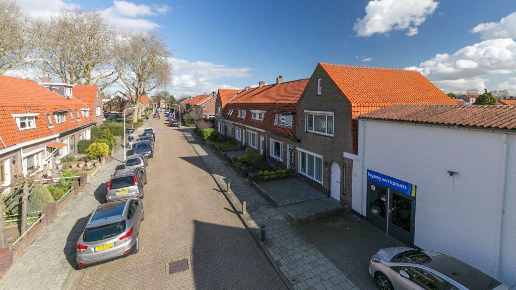 Te koop: een rijtjeshuis in de Tholenstraat (Terneuzen). Vraagprijs: € 139.000 k.k.