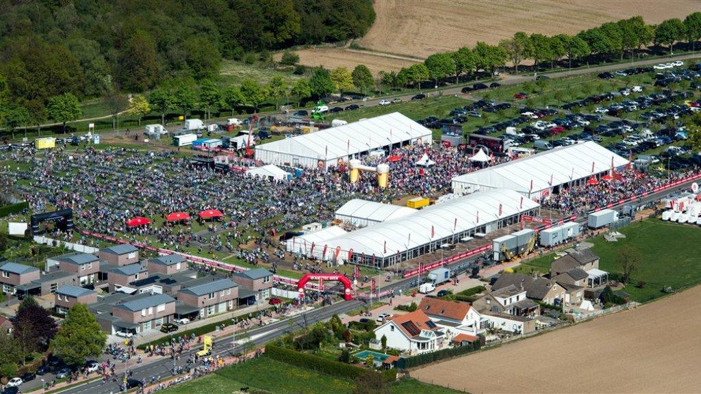 Het start- en finishterrein van de Amstel Gold Race in Limburg.