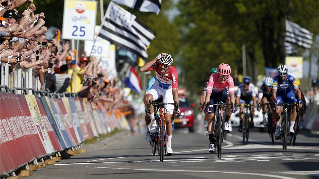 Van der Poel was duidelijk de snelste in de sprint