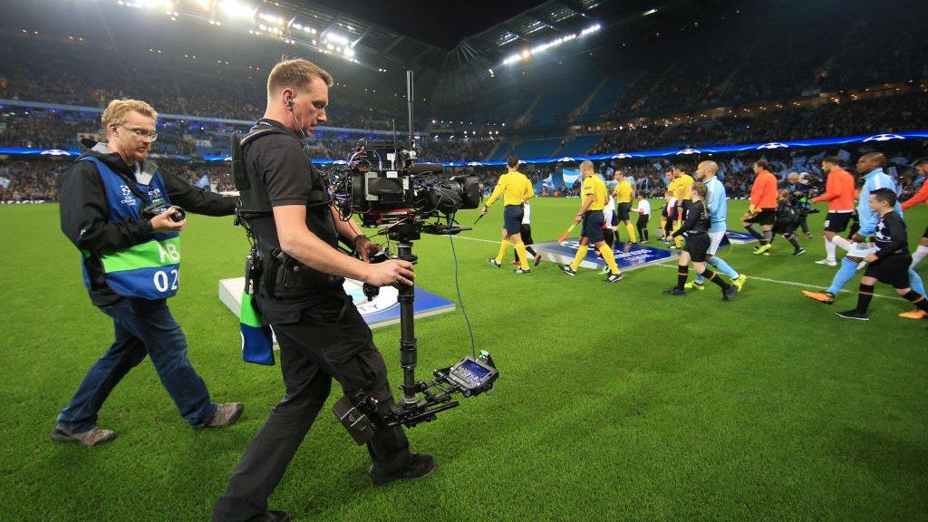 Voetbal zoals hier bij de Champions League is geliefd bij klanten van illegale streamingdiensten.