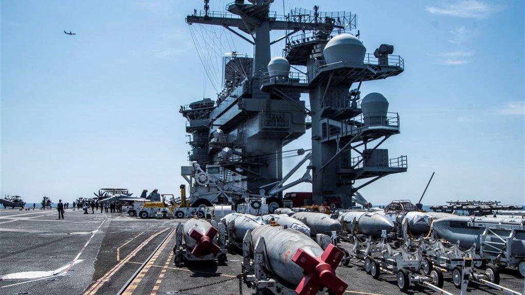 Aan boord van het Amerikaanse supervliegdekschip USS Abraham Lincoln.