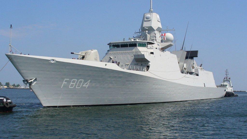 Fregat De Ruyter, waar Jeanette Morang commandant van was.