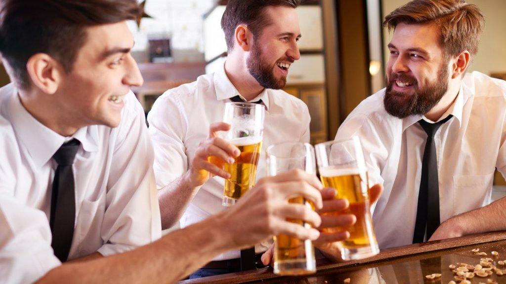 Drinken en werken moet je gescheiden houden, is het advies.
