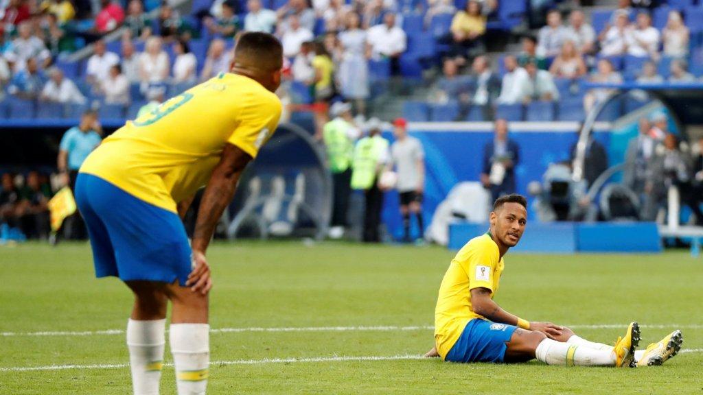 Gabriel Jesus, rechts Neymar