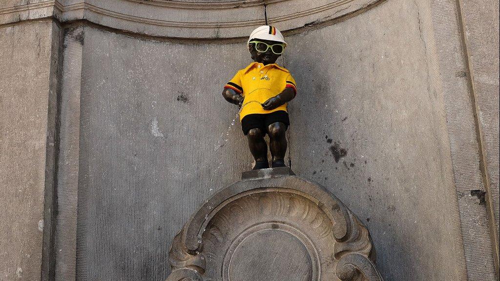 Manneke Pis is klaar voor de Tour de France, die zaterdag in Brussel start.
