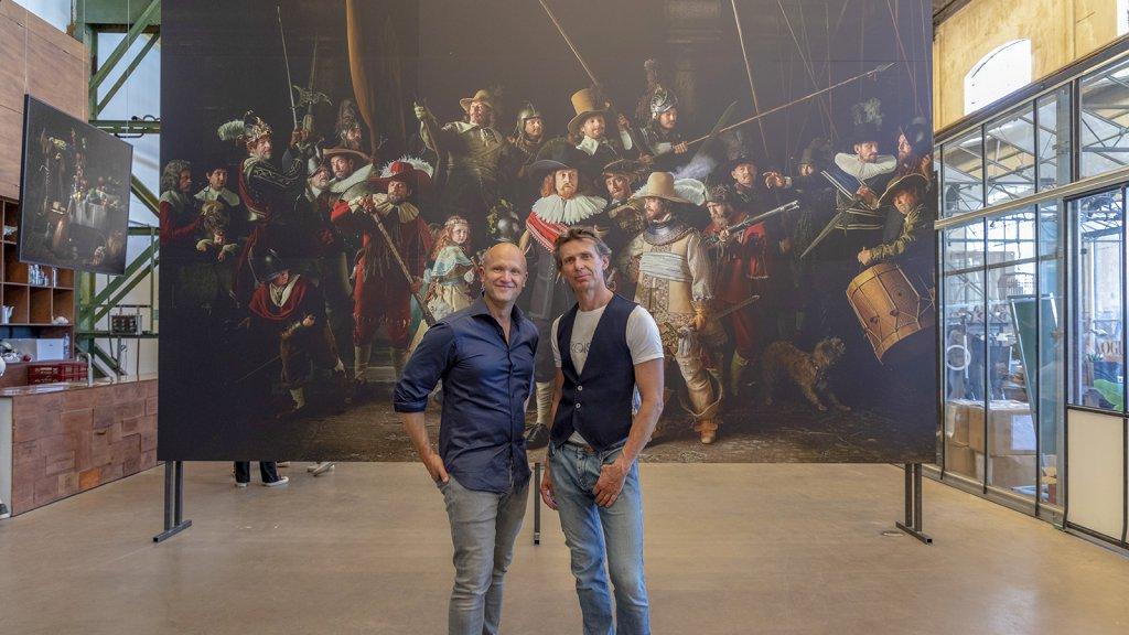 Links fotograaf Julius Rooymans, rechts ontwerper Hans Ubbink