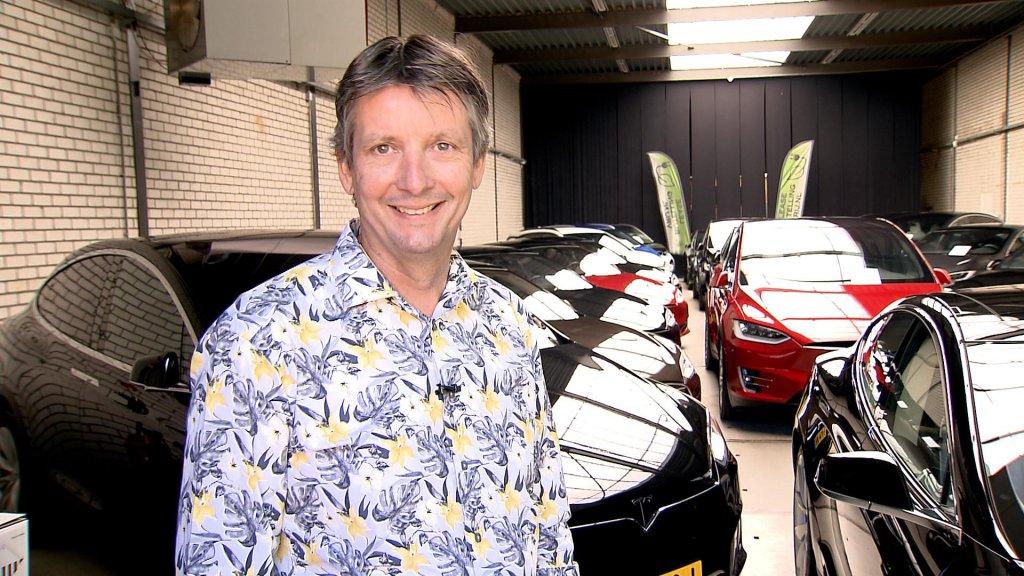 Duivenvoorden verkoopt vanuit Almere zo goed als nieuwe auto's voor de zakelijke markt.