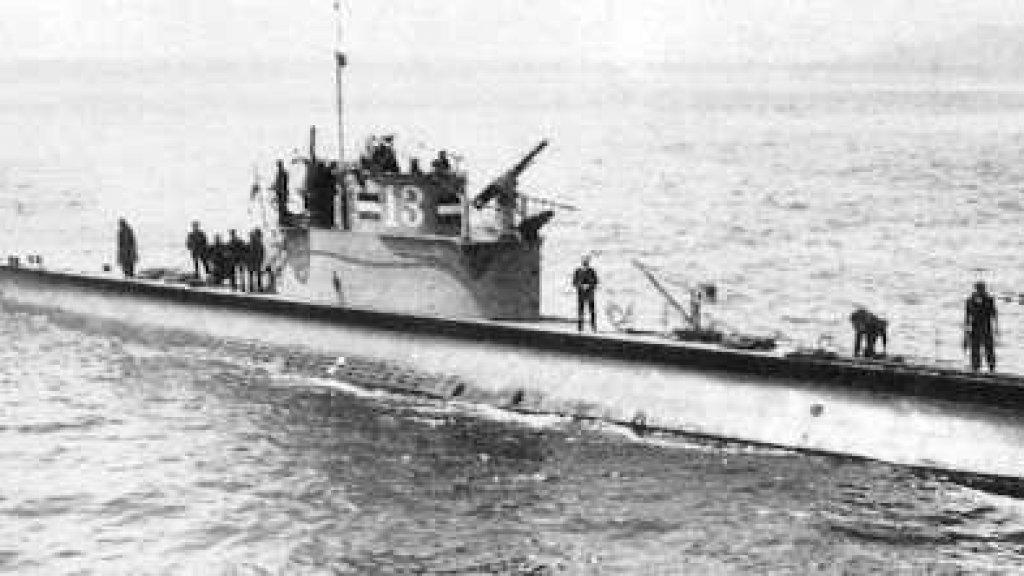 De Nederlandse onderzeeboot Hr. Ms. O-13.