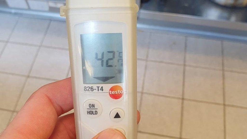42 graden in de keuken van Bratt.
