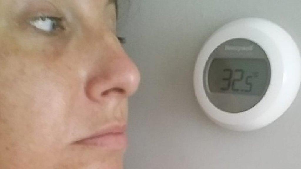 Ruim 32 graden in de woonkamer van Nicole, maar haar werkkamer is nog veel heter.