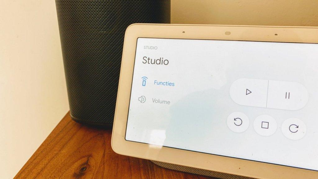 De Google Nest Hub geeft je de belangrijkste functies op het touchscreen