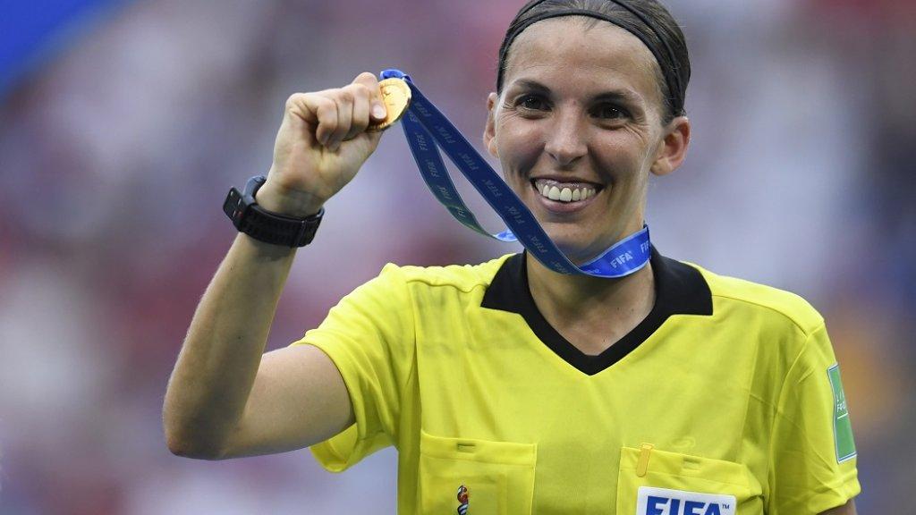 De Française Stéphanie Frappart tijdens het WK Vrouwenvoetbal.