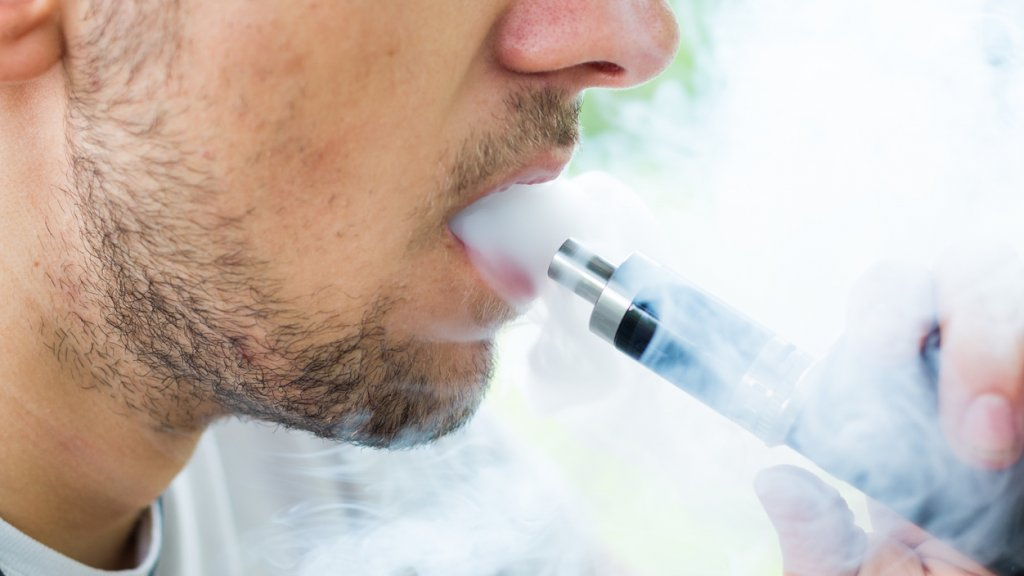 Onderzoek effecten e-sigaret: al 120 longpatiënten in VS