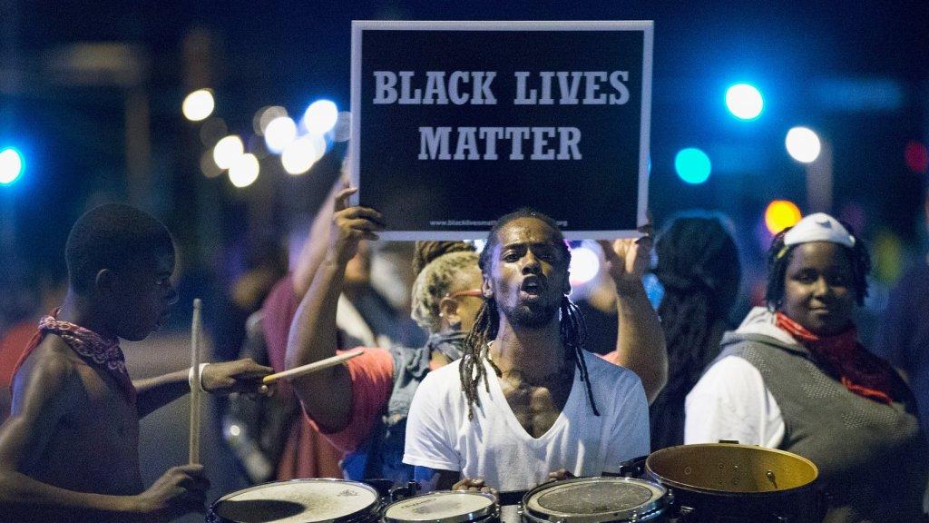 Zwarte Amerikaanse man loopt meeste risico op dood door politie