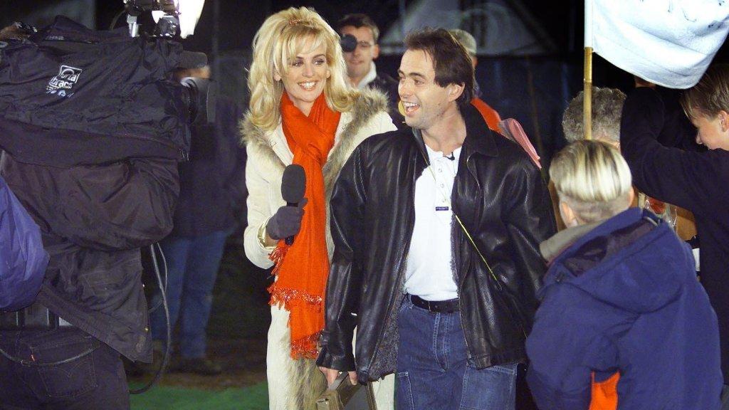 Willem toen hij uit het Big Brother-huis kwam. Links: Daphne Deckers.