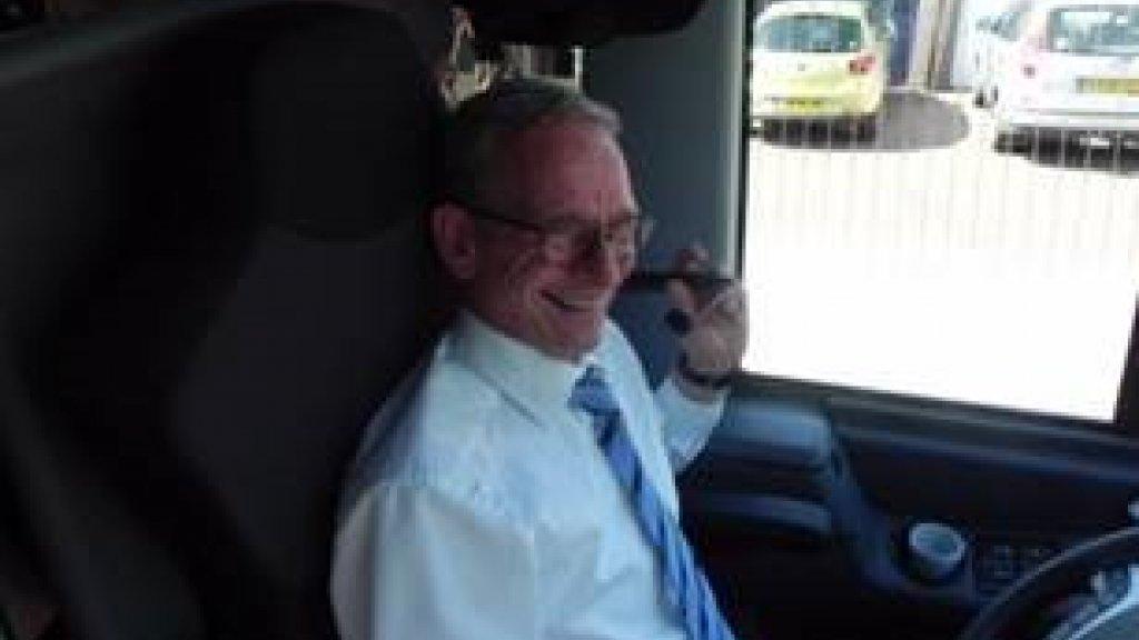 Gerard Hermsen rijdt zelf ook nog regelmatig op de bus.