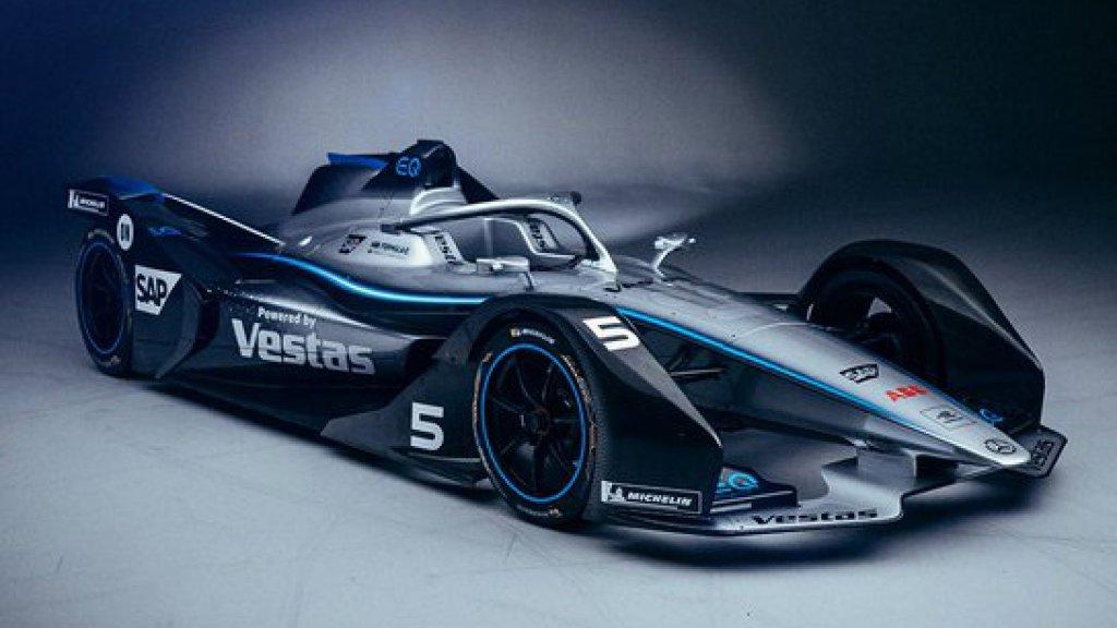 De Formule E-bolide van Mercedes