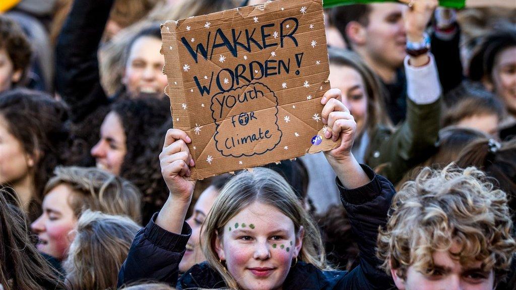 Nederlandse jongeren spijbelen om actie te voeren tegen klimaatverandering.