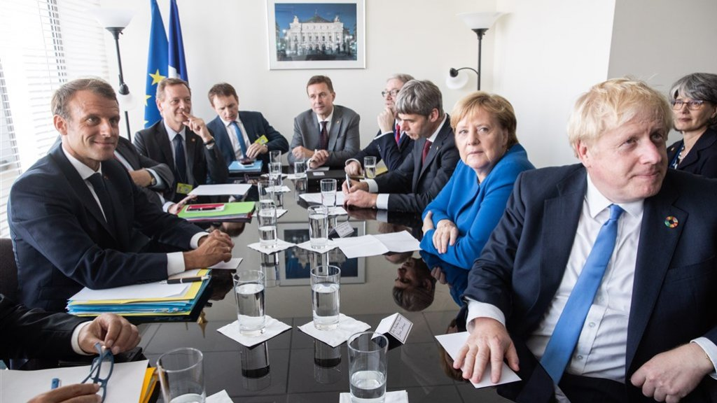 De Franse president Macron, Duitse bondskanselier Merkel en Britse premier Johnson ontmoetten elkaar vandaag.