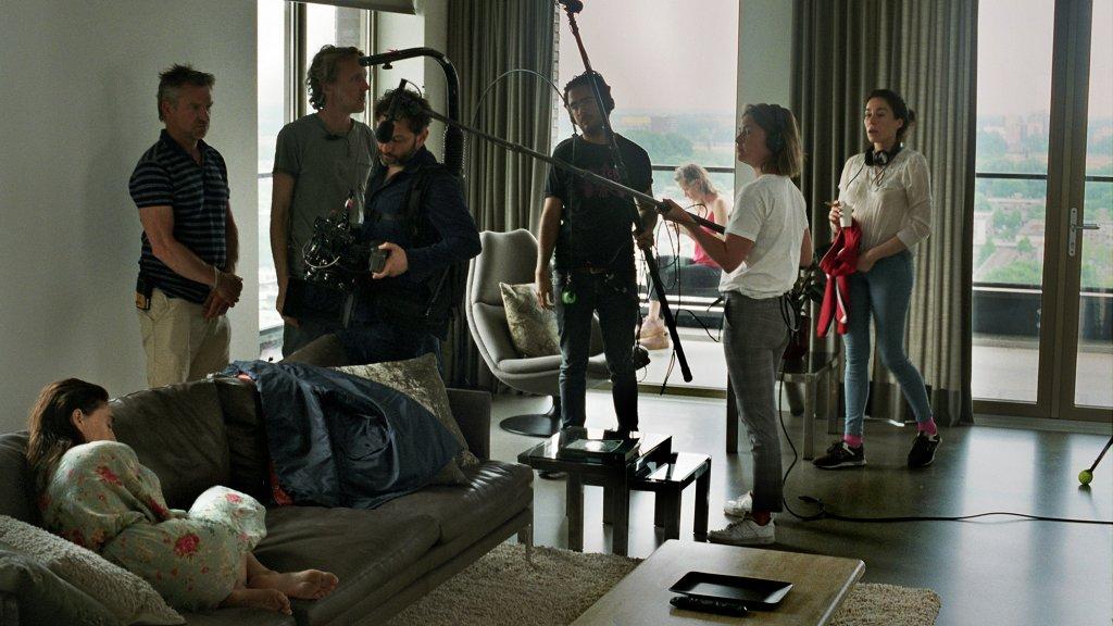 Op de set van Instinct.
