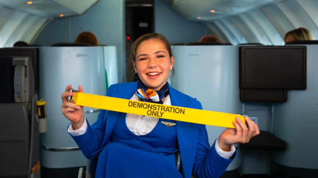 Fee Lentze wil van kinds af aan al stewardess worden