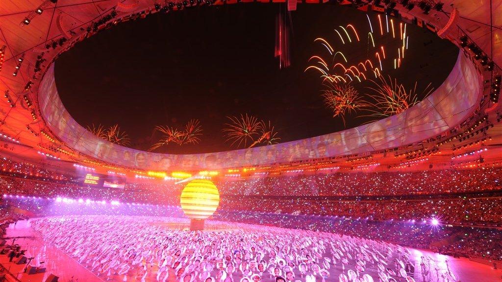 De openingsceremonie van de Olympische Zomerspelen van Peking in 2008. In 2022 komen atleten opnieuw naar de stad. Dan organiseert China de Olympische Winterspelen.