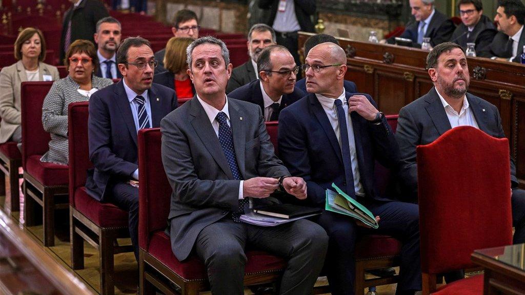De aangeklaagde politici met rechtsvooraan Oriol Junqueras