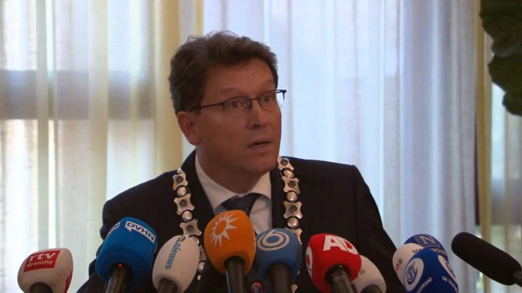 Burgemeester: mensen zaten negen jaar in huis Ruinerwold