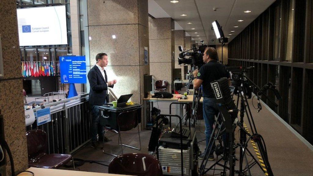 Verslaggever Fons Lambie vertelt de kijkers van RTL Z over de deal.